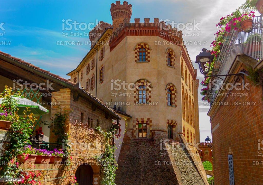 Alley in Barolo (Cuneo, Piemonte, Italy). - foto stock