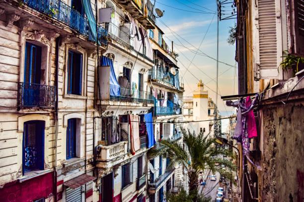 gränd i algiers centrum - kasbah bildbanksfoton och bilder