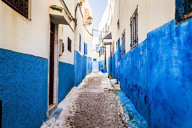 alley in rabat old medina, morocco - rabat marocko bildbanksfoton och bilder