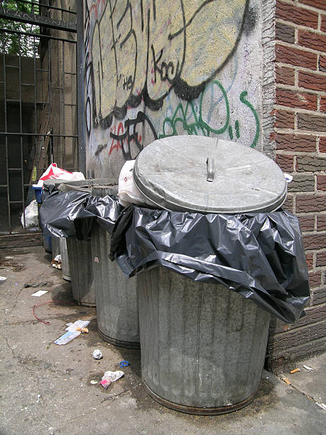 Trash Can Dirty Png 146x210 Transpa Images