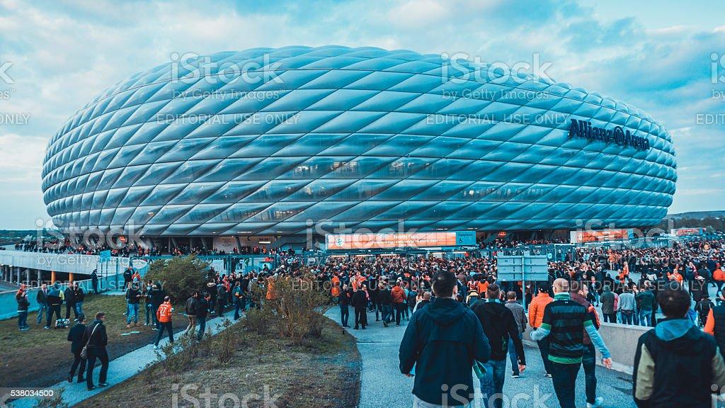 In der Münchner Allianz-Arena, die mit Tausenden von fans – Foto