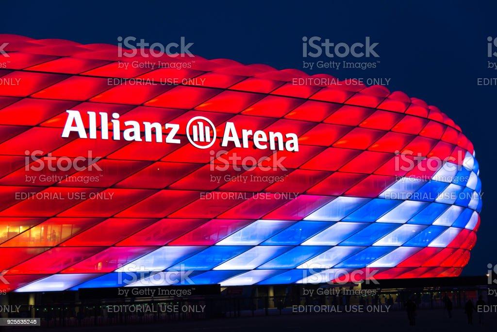 安聯競技場為拜仁慕尼克第118周年特別照明圖像檔