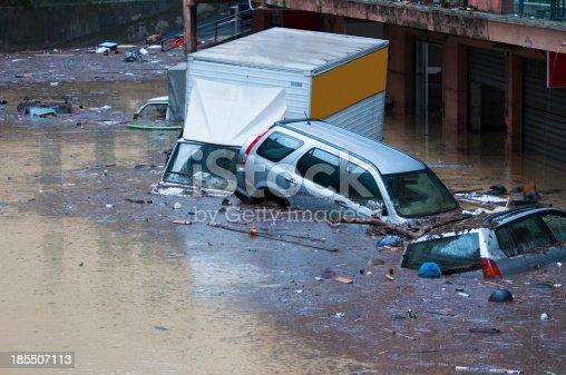 L'alluvione del 4 novembre 2011 a Genova. La città è stata messa in ginocchio per diverso tempo, specialmente nella zona di Marassi.