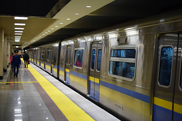 almaty almaly metro-station - almaty metro wiedenmeier stock-fotos und bilder