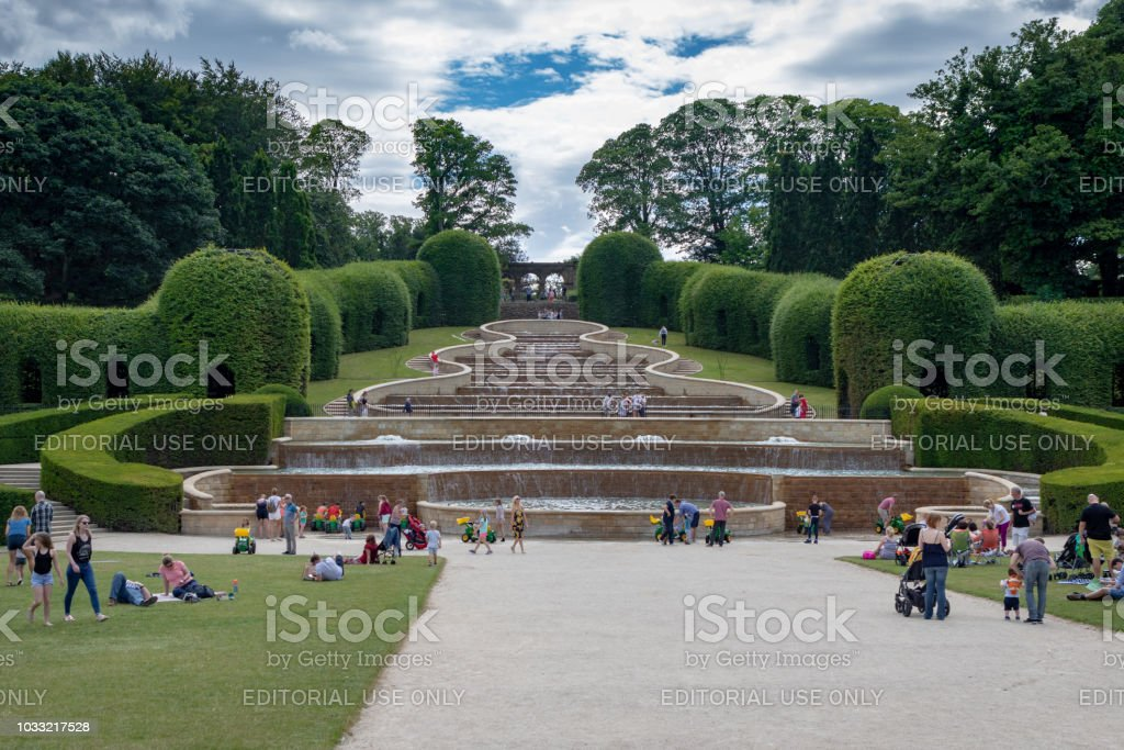 Photo libre de droit de Jardin Dalnwick Un Jardins ...