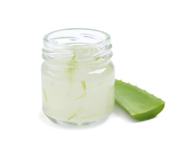 aloe vera extrakt und aloe vera - sonnenbrand heilen stock-fotos und bilder