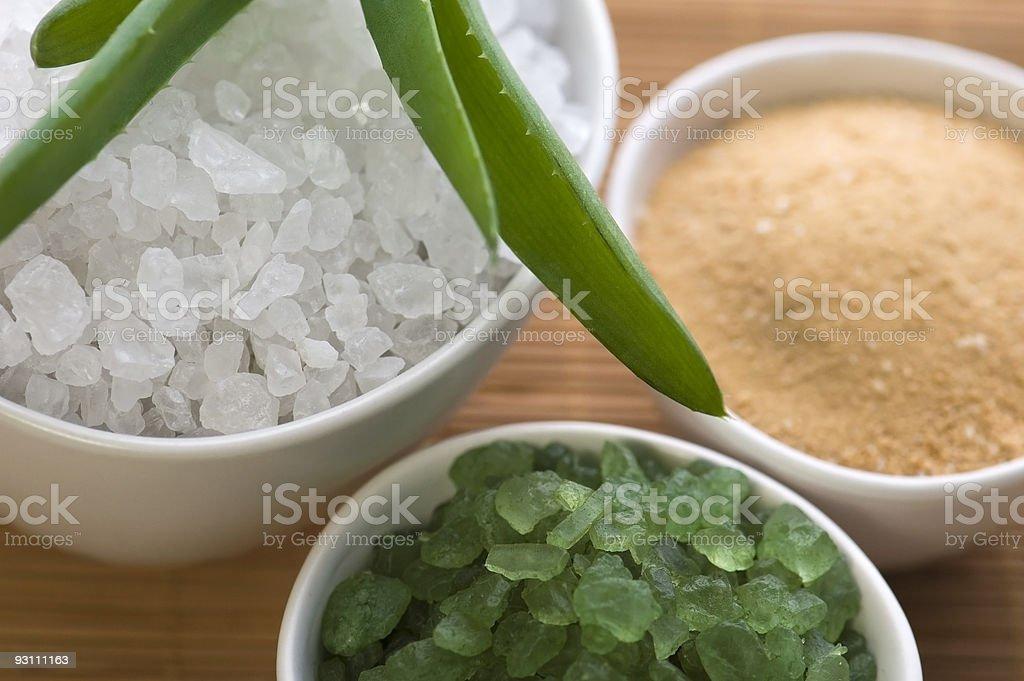 aloe vera with bath salt - Royalty-free Aloe Stok görsel