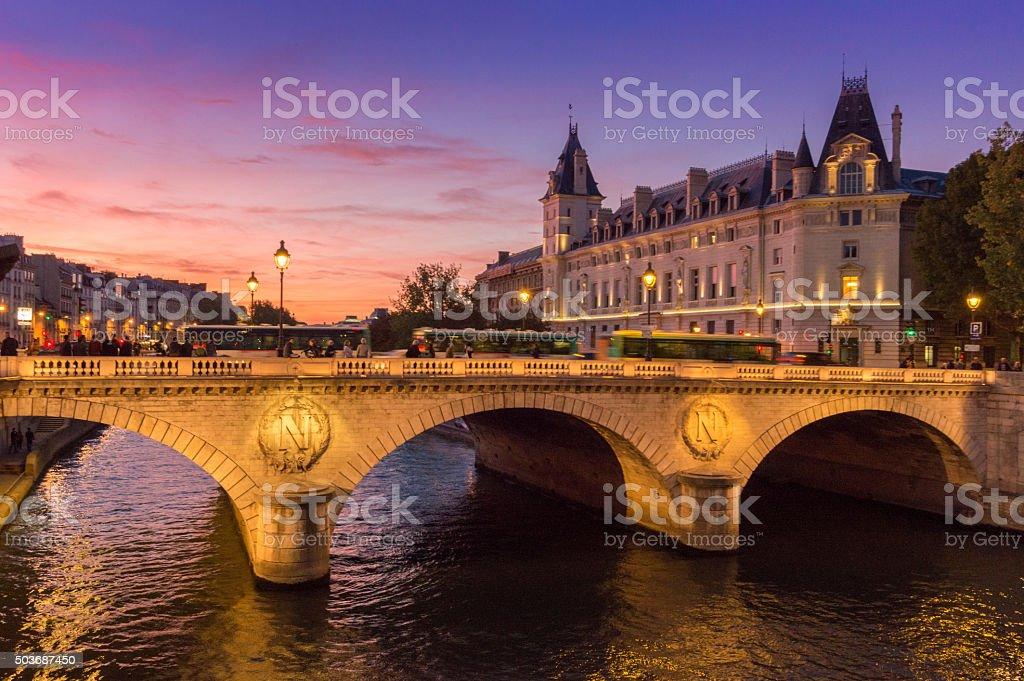 Le long de la Seine, à Paris, en France - Photo