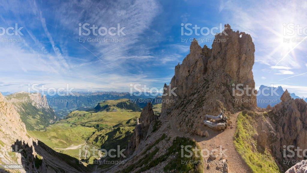 Alpe di Siusi - Friedich-August-Weg Footpath to Mount Schlern stock photo