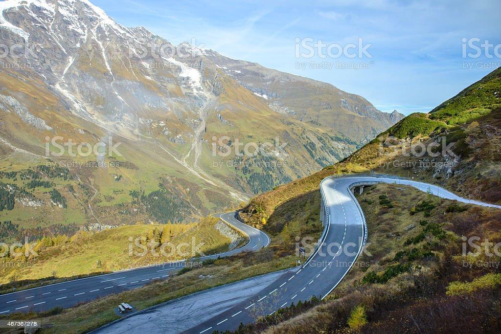 Alpine road in den Alpen Berge. Nationalpark Hohe Tauern National park. – Foto