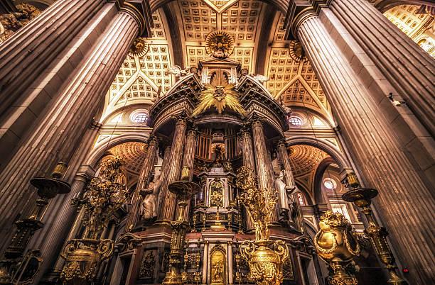Altar Mayor o Baldaquino - Puebla Cathedral Altar Mayor o Baldaquino (Cipres) in Puebla Cathedral, Mexico puebla state stock pictures, royalty-free photos & images
