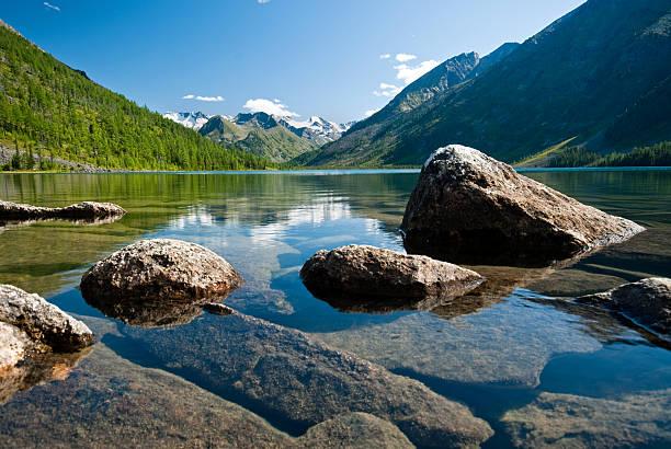 altay: jezioro multinskoe - państwowy rezerwat przyrody altay zdjęcia i obrazy z banku zdjęć