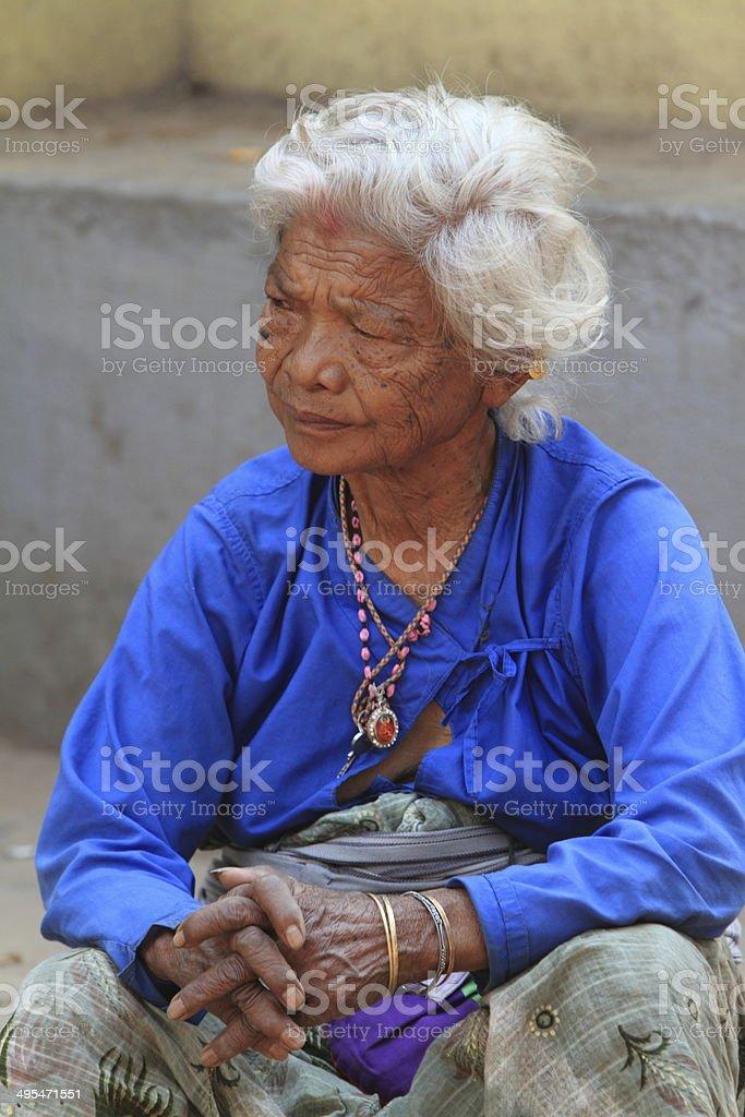 Alte Frau aus Nepal stock photo