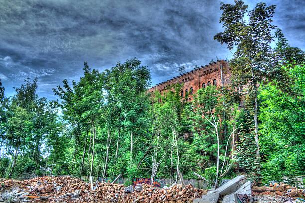 alte Ruine alte Industriegebäude-Ruine ruine stock pictures, royalty-free photos & images