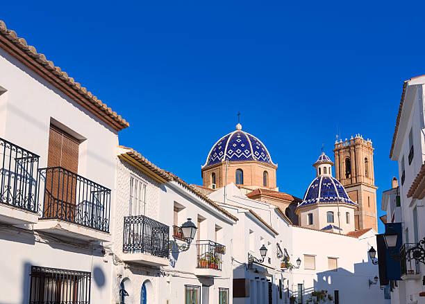 Iglesia old Pueblo Altea típico mediterránea en Alicante - foto de stock
