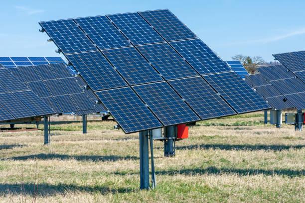 Alternative Energieerzeugung mit Sonnenkollektoren – Foto