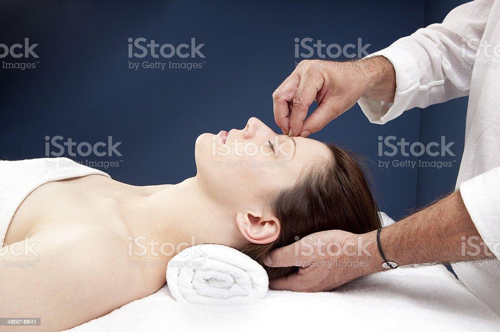 alternative Medizin für Kopfschmerzen-Behandlung – Foto