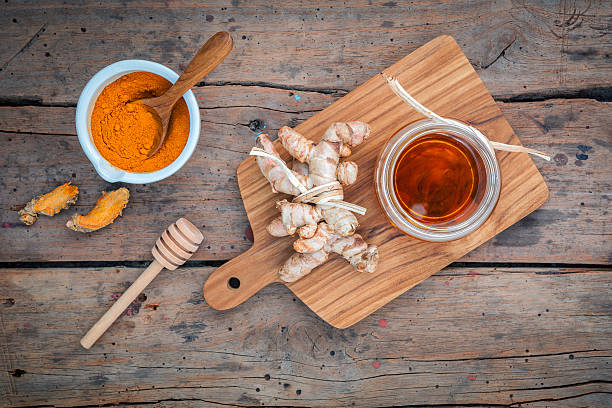 Alternative Hautpflege-hausgemachte Peelings Curcumin Pulverschnee, Honig ein – Foto