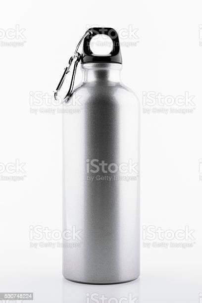 Aluminum bottle water picture id530748224?b=1&k=6&m=530748224&s=612x612&h=tyvoo2xgdtlbbewync5rwchomyjw ecjillhrnn fu4=