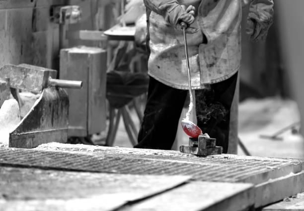 tâches de maison aluminium fonte - Photo