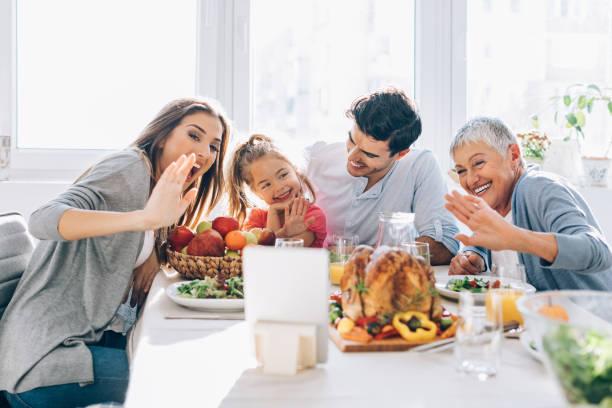 zawsze podłączony - thanksgiving dinner zdjęcia i obrazy z banku zdjęć