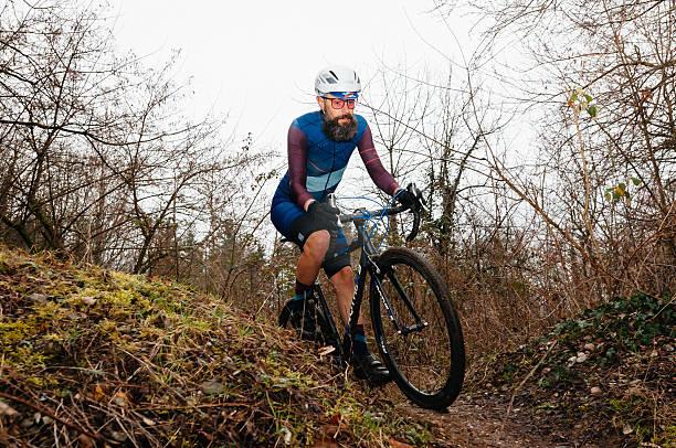 amateur cyclo-cross-rennen - cyclocross stock-fotos und bilder