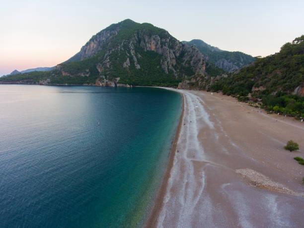 Erstaunliche Luftaufnahme von Olympos in Antalya. Strand von Cirali in Antalya. – Foto
