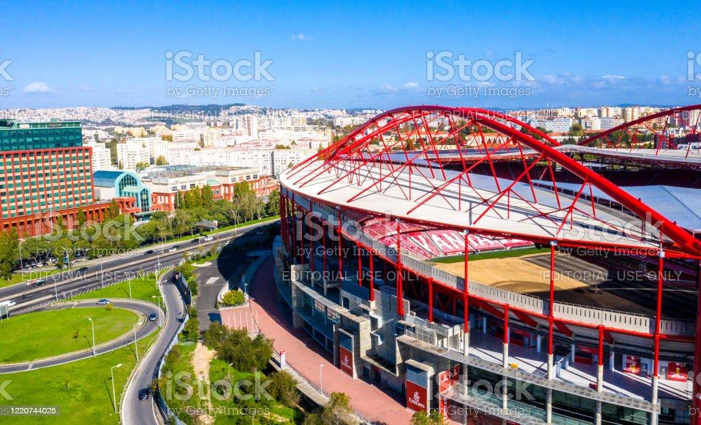 Amazing architecture of Benfica Lisbon soccer stadium Estadio da Luz - CITY OF LISBON, PORTUGAL - NOVEMBER 5, 2019 - Royalty-free Ambiente Foto de stock