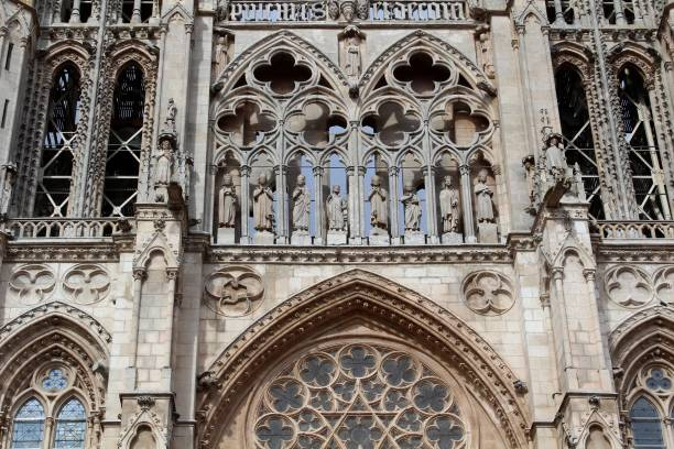 Increíble catedral en Burgos - foto de stock