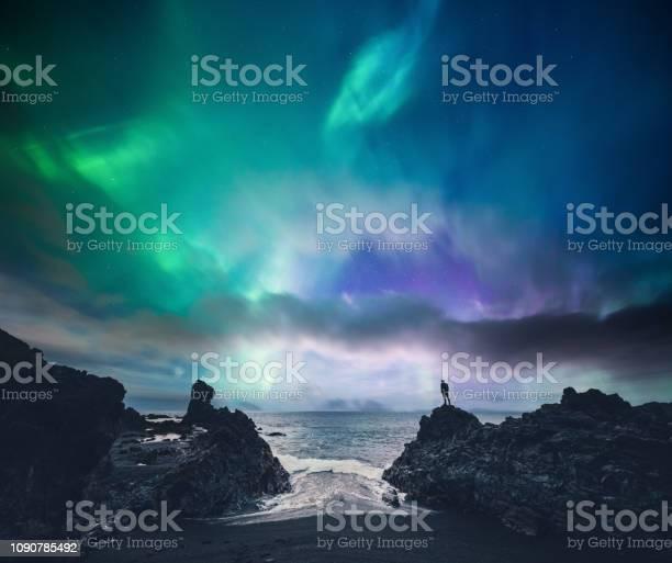 Increíble Islandia Foto de stock y más banco de imágenes de Acantilado