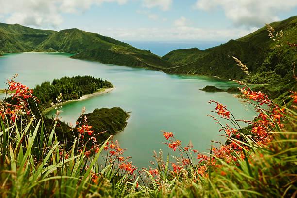 amazing landscape view crater volcano lake in Sao Miguel island – Foto
