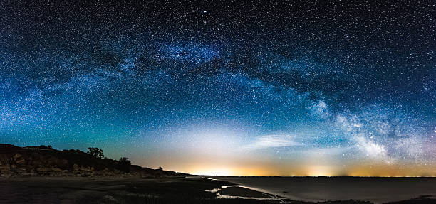 amazing panoramic landscape view of a milky way - hdri landscape stockfoto's en -beelden