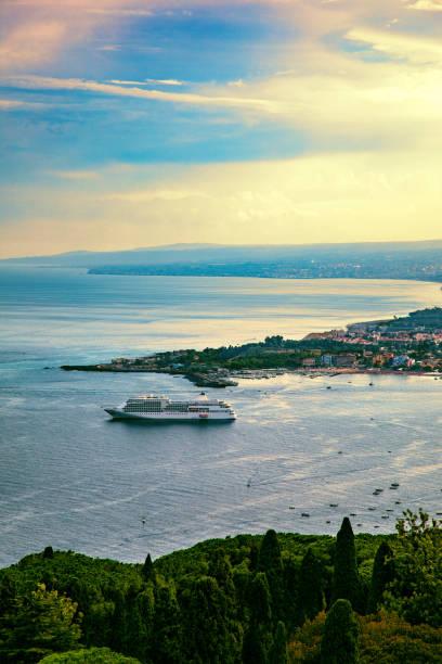 Panorama Blick auf Taormina Meer – Foto