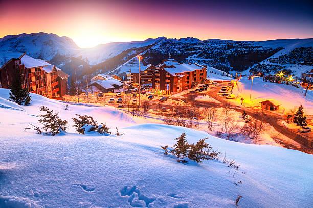 amazing sunset and winter landscape,alpe d'huez,france,europe - hotel alpenblick stock-fotos und bilder