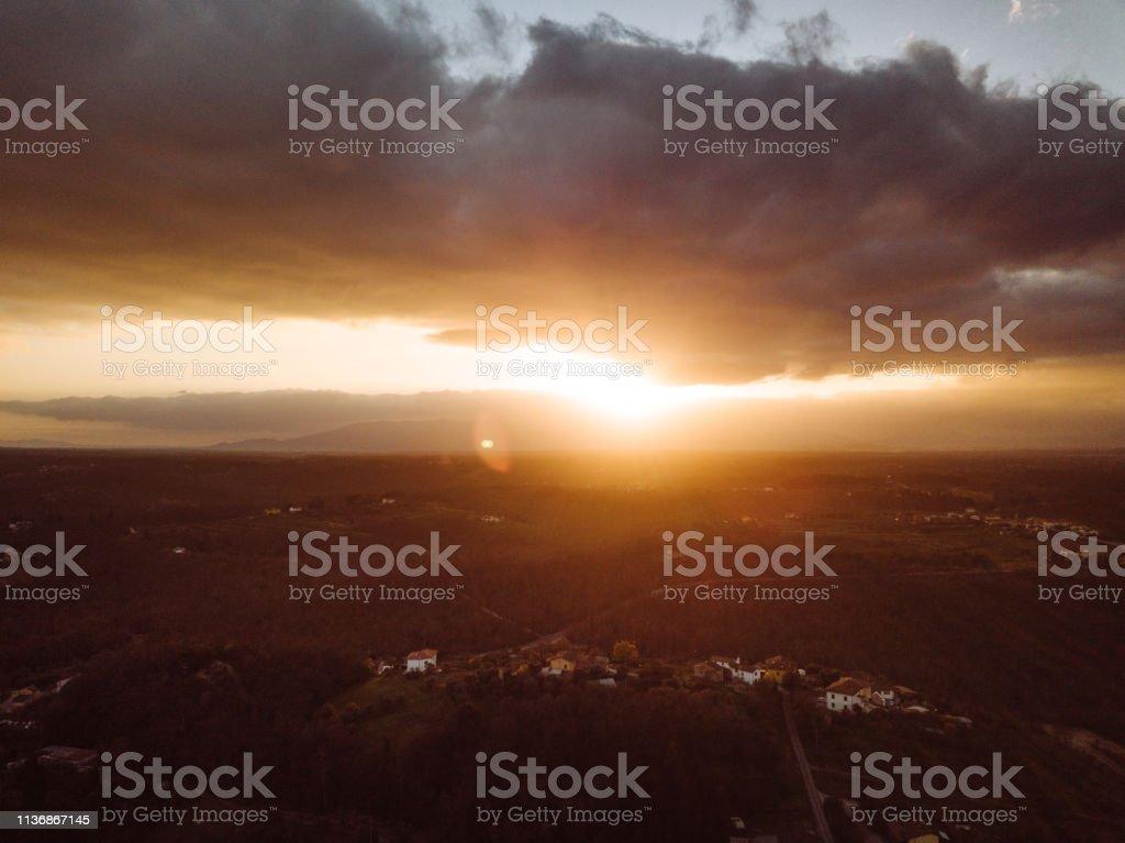 Toben mit tiefem Himmel – Foto