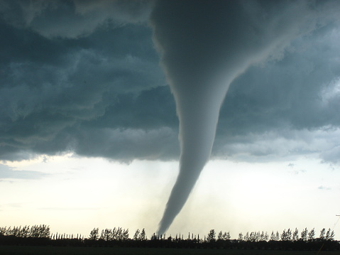 Another amazing tornado picture of the famous F5 tornado that impacted Elie, Manitoba on June 22, 2007.