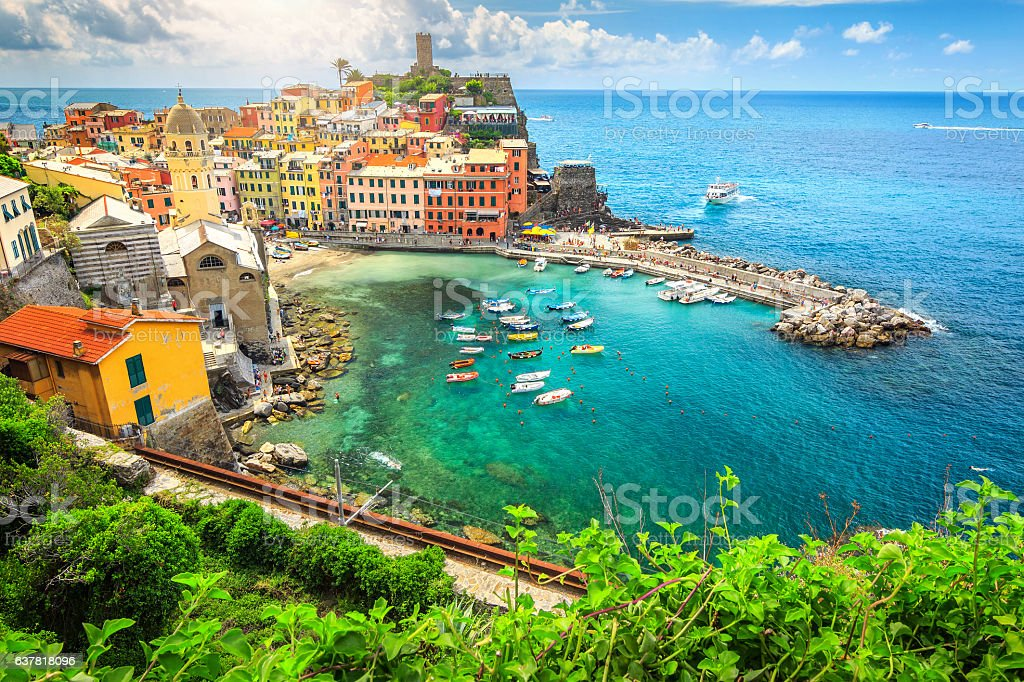 Amazing Vernazza village and stunning sunrise, Cinque Terre, Italy, Europe - foto stock
