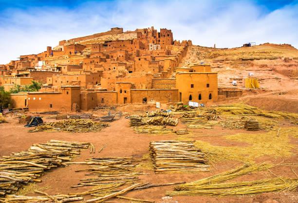 fantastisk utsikt över kasbah aït ben haddou nära ouarzazate i atlasbergen i marocko. unesco: s världsarvslista sedan 1987. konstnärlig bild. skönhet i världen. - kasbah bildbanksfoton och bilder