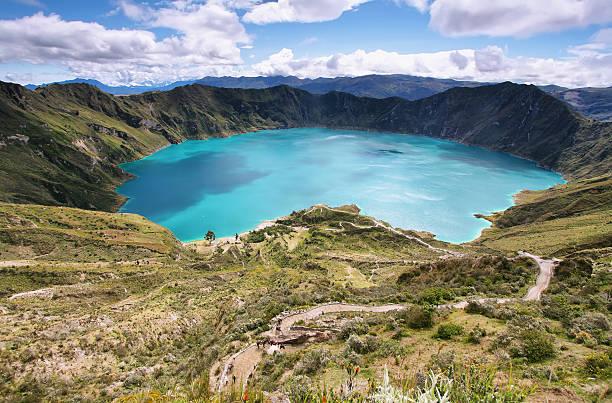 멋진 호수 의 quilotoa 칼데라 - 에콰도르 뉴스 사진 이미지