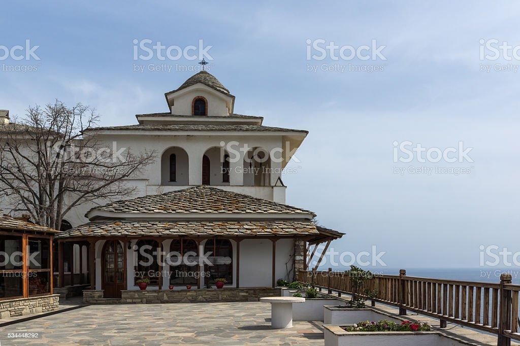 Fantastische Ansicht der Erzengel Michael-Kloster in Thassos – Foto