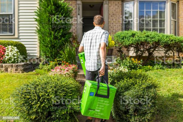 Amazon fresh insulated grocery delivery bags totes on front home picture id855980360?b=1&k=6&m=855980360&s=612x612&h=bxmwkbsgt 3wujunj7cielzqzpgrcjjgkhxceqojvwq=