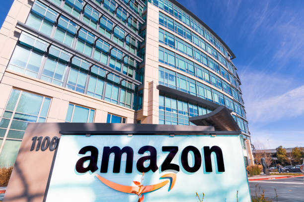 amazon headquarters located in silicon valley - big tech foto e immagini stock