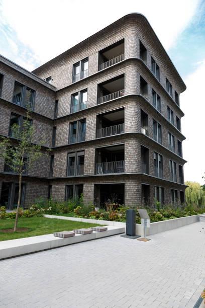 Umgebungsraum und moderne Häuser während der Bundesgartenschau 2019 BUGA Heilbronn. – Foto