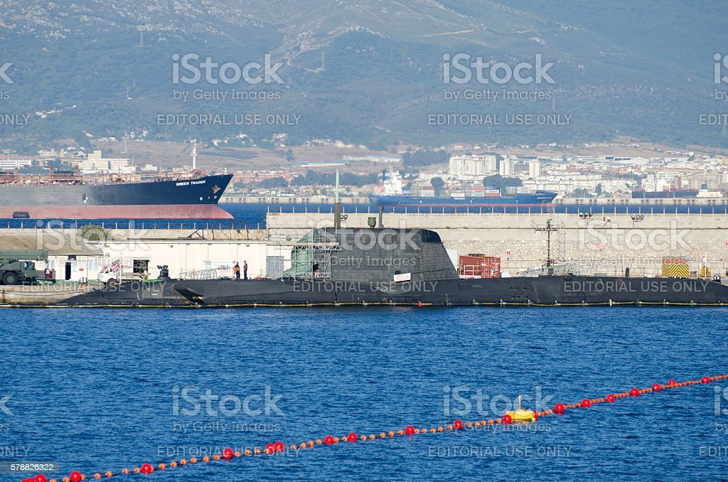 HMS Ambush being repaired in Gibraltar – Foto