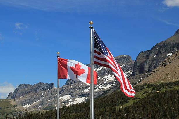 Amerikanische und kanadische flags – Foto
