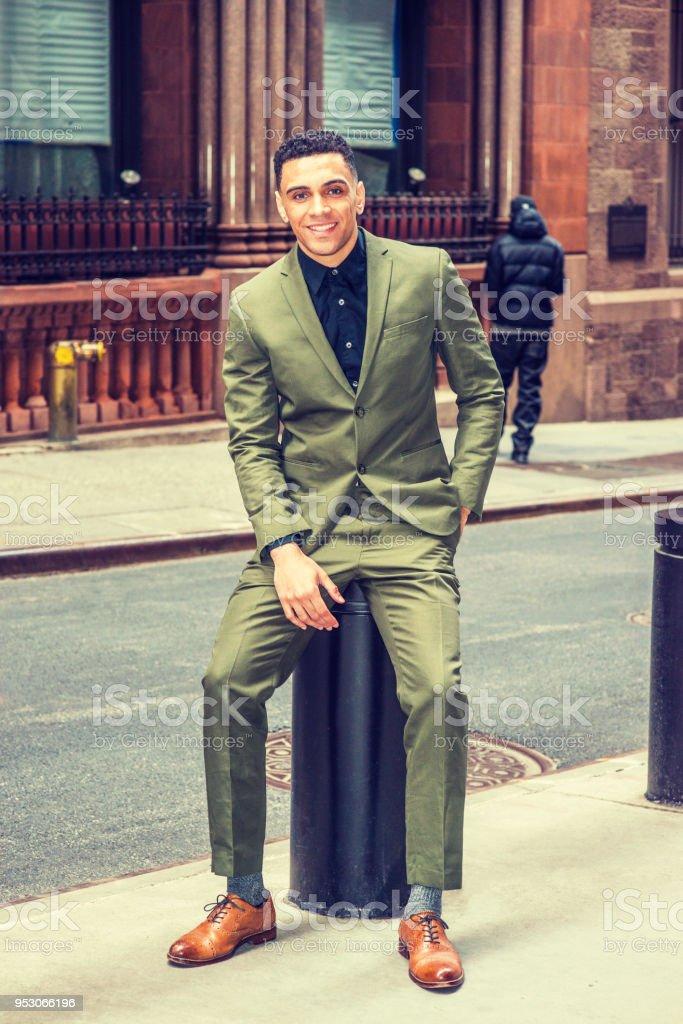 Moda De Calle De Hombre De Negocios Estadounidense En Nueva York - Moda-para-hombres-maduros