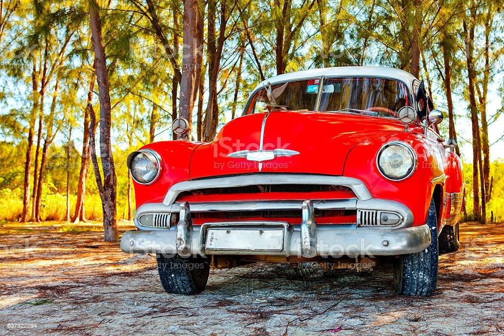 American classic car on the beach Cayo Jutias Lizenzfreies stock-foto