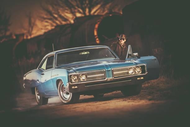 amerikanische oldtimer-fahrt - 1m coupe stock-fotos und bilder