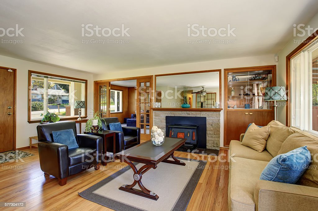 Picture of: American Classic Living Room Interior With Black Leather Armchairs Stock Photo Download Image Now Istock