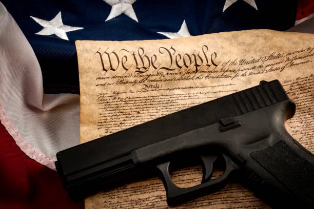 美國憲法, 美國國旗和手槍 - 鎗 個照片及圖片檔